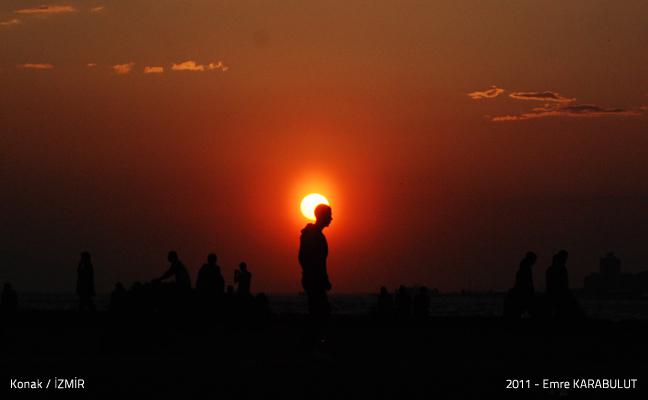 Konak'da gün batımı.
