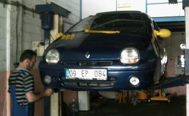 Renault Twingo 1.2 Alize - İzmir 6. Sanayii Kudret Usta'da Bakımda.